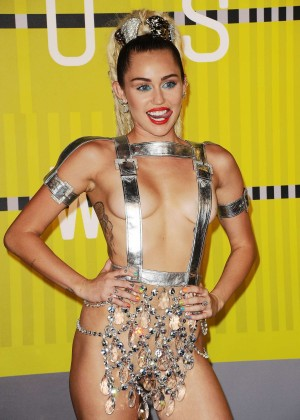 Miley Cyrus: 2015 MTV Video Music Awards in Los Angeles [adds]-20